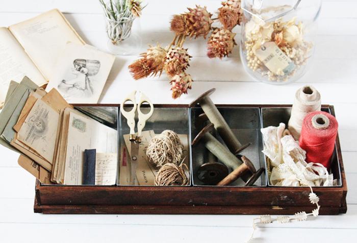 平置き、壁掛け、縦置き横置き、色々置けちゃうアンティークな雰囲気たっぷりの収納ボックスをDIYしてみませんか!