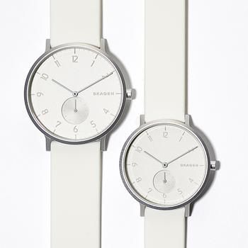 ホワイトは今年に入って登場した新色。41mmのユニセックスタイプより一回り小さい36mmサイズがあり、自分に合ったサイズが選べるのがポイントです。秒針や文字盤、ストラップに至るまで、雪のように真っ白な腕時計は、他ではあまり見かけないのでは。数量と販売店舗が限られているので、気になったらお早めに。