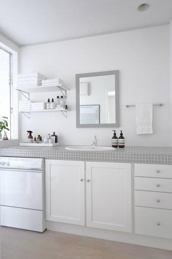 洗面所は、洗面用品やランドリー用品などモノが多くきれいな状態を保つのが難しい…とお悩みの方は多いのではないでしょうか。