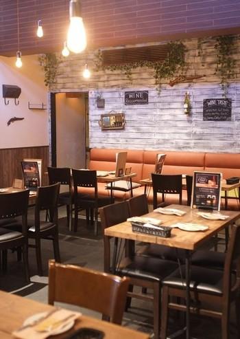 """恵比寿駅から歩いてすぐのところにある「Cheese Cheers Cafe Ebisu(チーズチーズカフェ エビス)」は、""""五感で楽しむチーズ料理""""がコンセプトのお店です。"""