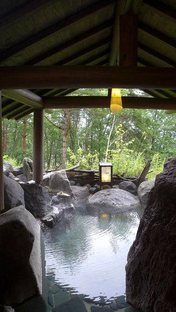 無料の貸切露天風呂も3つ。予約不要で気軽に入れるので、草津温泉を思う存分堪能することができます。