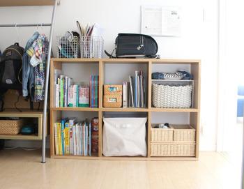 圧迫感が気になるときには、高さを低くすると良いのだそう。棚上もフリーに使えるよう、お部屋の広さに合わせて置き方を工夫してみてくださいね。