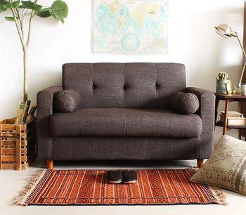 スペースは限られているけどソファを置きたい!という方には、こんなソファはいかが?一見、普通のソファに見えますが、座面の下は大容量収納。さらに背もたれを倒せばごろ寝できるソファベッドにもなる多機能ソファ。