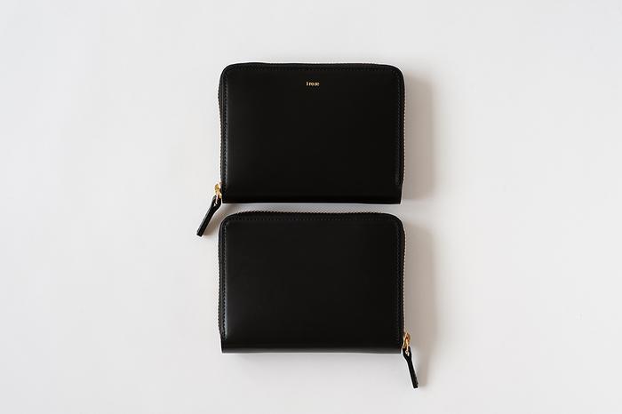 日本の職人によって創られているブランド「イロセ/i ro se 」。全てのプロダクトは高橋 源(げん)、高橋 大(だい)の兄弟二人によりデザインされ、独創性あふれる革小物が展開されています。上質なカウレザーで作られた「ポップアップウォレット」はシンプルで使い勝手が抜群、長く愛用できる飽きのこないデザインが魅力です。