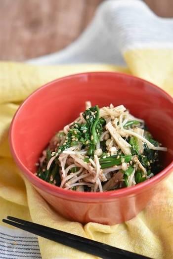 ヘルシーなほうれん草とえのきをナムル仕立てに。レンジ調理できるので、食べたいときにすぐ作れます。