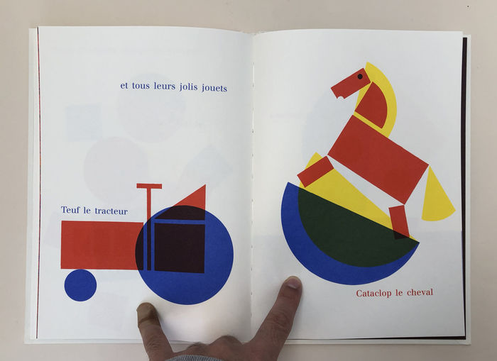 シンプルな配色と色数で構成されたミッドセンチュリーな雰囲気漂うグラフィックは、赤ちゃんでも目を負う楽しさがあるはず。フランス語がわからなくても充分楽しめて、インテリアにもなるおしゃれな絵本です。