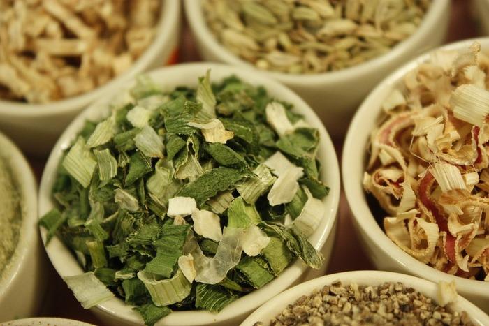 おいしくて健康的、おまけにエコ。良いこといっぱいの干し野菜。冷蔵庫に余り野菜があったら、ぜひチャレンジしてみてくださいね!