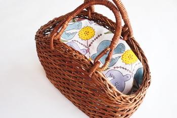 明るくとても愛らしい仕上がりなので、かばんの中にしまっておくのはもったいない。お弁当を包んだり、カゴバックやお部屋の目隠しなど、見せるように使うのもおすすめです。