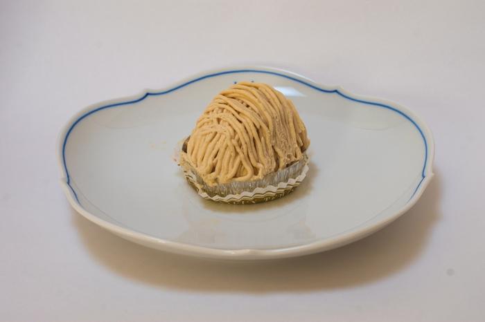 今すぐにでもぺろりと口にしたくなるモンブラン。風味豊かな栗の風味が楽しめる定番ケーキです。
