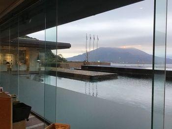 城山展望台と同じような眺めを、リラックスして満喫できます。  お風呂に浸かりながら夜景を楽しむ贅沢も。よかったら宿泊先候補にいれてみてくださいね。