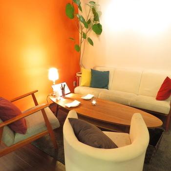 居心地がよく、落ち着いて食事を楽しめるソファー席も。お子さま連れでも気兼ねなく楽しめます♪