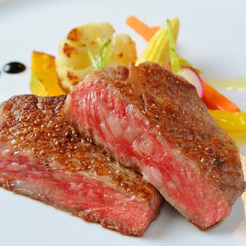 九州産の黒毛和牛をはじめとした和牛ステーキは、コスパも最高で大満足すること間違いなし◎