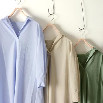 お気に入りのシャツは、色々なバリエーションを揃えておくと毎日のコーデの幅がグンと広がります。