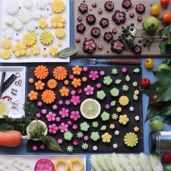 野菜を花型に飾り切りするだけで、お料理は春色に染まります。珍しい色の野菜を見つけて、いろんな飾り切りを楽しんでみませんか?