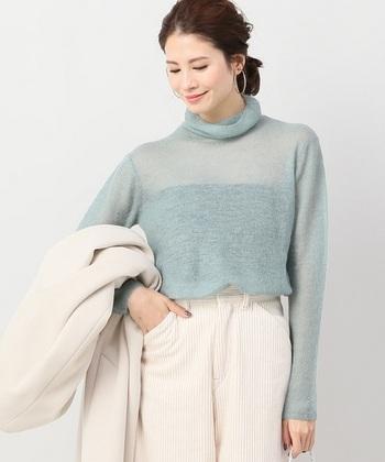 色のトーンをワントーン明るくするだけで、春らしいファッションになりますね。大人っぽいニュアンスを感じさせるライトトーンコーデを、今から楽しんでみてはいかがでしょうか。