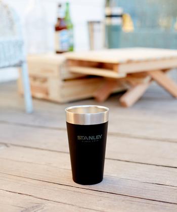1913年、アメリカで生まれたサーマルウェアブランド「STANLEY(スタンレー)」。スタッキングできるタンブラーは、夏はビール、冬はホットドリンクを入れて楽しめます。