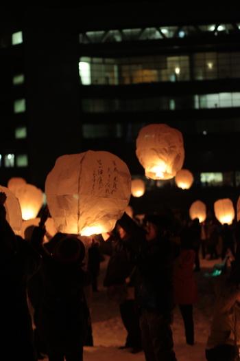 まずは、雪まつりの一環として開催されている「新潟・津南スカイランタン」です。東日本大震災の復興を願って、2012年からスタートしました。