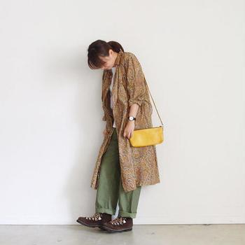 小さなバッグもこの通り。いつものコーデが一気に華やぎますよね。