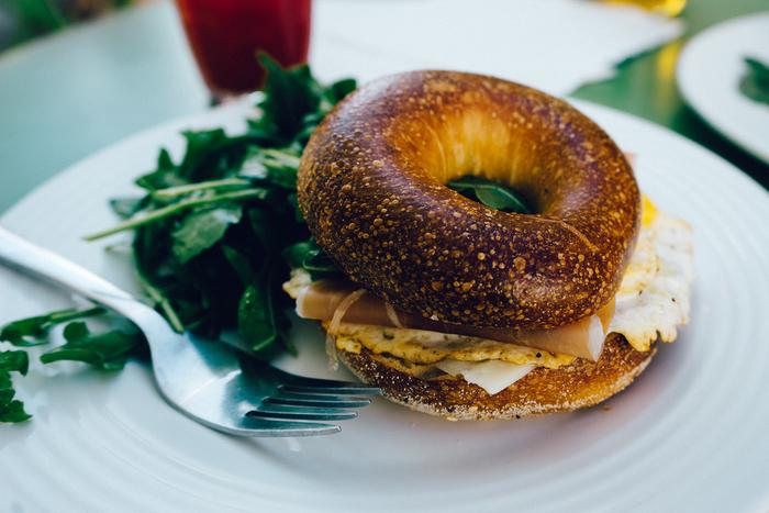 朝ごはんをちゃんと食べる。ファーストフードは控える。外食は週〇回までにする。食事のことは大切だけど、最初からすごくハードルを高くしてしまうと気が重くなるもの。これだったら続けられるかな?といくつか案を出してみるのはいかがでしょう。