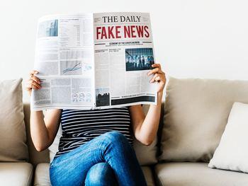 たとえば、毎朝、ちゃんと新聞を読む習慣をつける。日々続けていると、やがてそれが当たり前になりそうです。