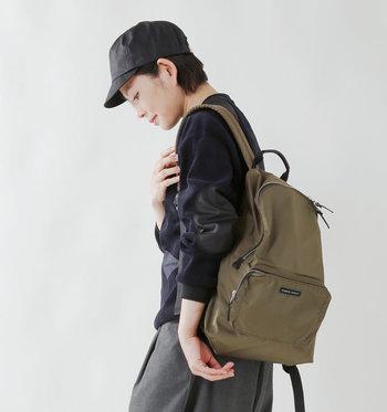 使わない時はコンパクトに折りたためて、持ち運びに便利なパッカブルバッグ。一つ持っているとお出かけ先でとっても便利です。お勧めのブランドとアイテムをご紹介していきます。