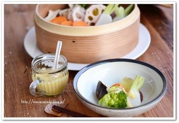 生野菜のサラダも美味しいですが、温野菜は野菜の甘みをより楽しめる一品ですよね。さっぱりとした温野菜にはコクたっぷりの味噌ソースを!いくらでも食べられちゃいそうです。
