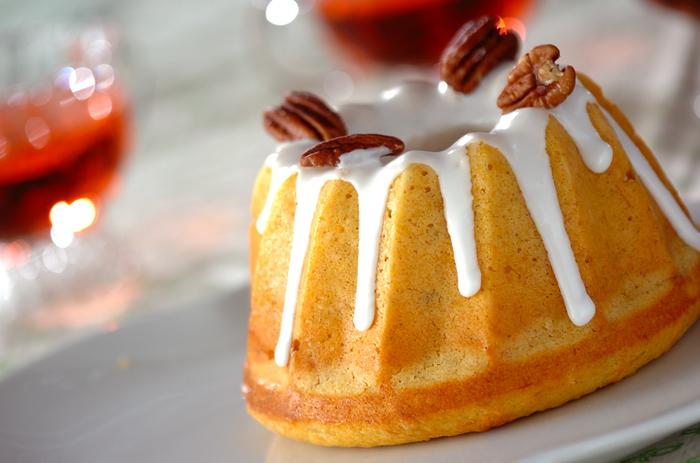 人参の使用量…【直径15cmのクグロフ型1台分】150g 150gのすりおろし人参が入った栄養満点のケーキ。フォークで潰したバナナを入れることで、ほのかな甘みが加わります。モチモチの食感も◎。