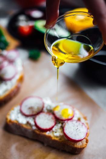 日頃から油を意識して食事を取ることはありますか?油はカロリーが高くて体に良くないイメージがありますが、『体に良い油』を摂取することができれば、そのイメージは全く違ってきますよ。