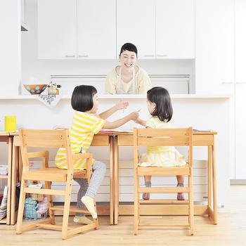 子供が小さいうちは、特に子供部屋は作らず、リビングにキッズスペースなどを設けて、家族の気配が感じられる空間で一緒に過ごすというご家庭がだんだん増えているそうです。