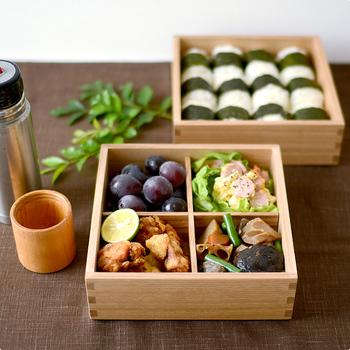 運動会やお花見のお弁当として重箱は重宝します。天然木の重箱は、盛り付ける食品をより美味しそうに見せてくれて、なおかつ温かみのある雰囲気を演出してくれます。