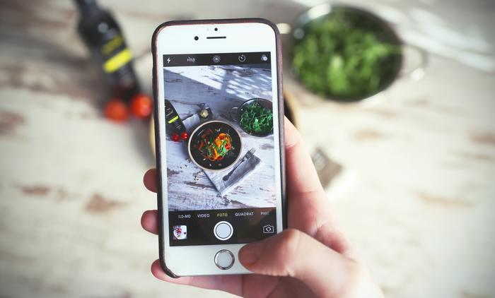 ダイエットが挫折しそう、カロリー計算が面倒…という方にオススメのダイエット・糖質制限などの栄養管理アプリ「カロミル」。現在、利用者が25万人を突破しました。その名の通り食事の写真を撮るだけでAIが自動解析し、カロリーのみでなく、糖質やたんぱく質の管理まで行ってくれるのです。