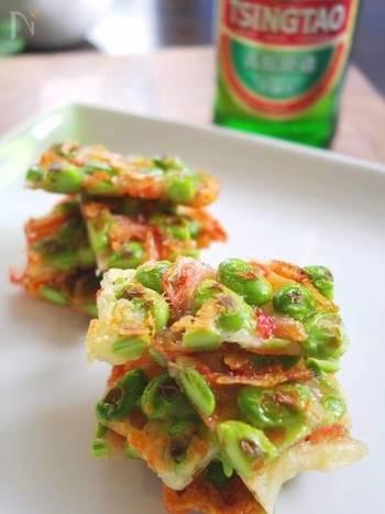 カリッパリッとしたお煎餅のような食感、チーズのコクと塩気がお酒のおつまみにピッタリ。