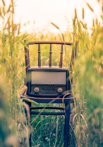 日本だけでなく世界中のラジオを聴くことができる「TuneIn Radio(チューンインラジオ)」。このアプリがあれば北欧、ヨーロッパ、アジア、中央、南米など、様々な国でリアルタイムに発信されているスポーツ、ニュース、トーク、音楽に出会うことができます。