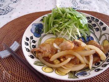 他にも、煮物や照り焼きの風味付けに使っても便利です。こちらは豚肉のしょうが焼きにアレンジしています。
