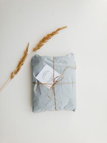 ひとつの種類のお茶だけでなく、いろいろな種類のお茶を組み合わせて素敵なパッケージに入れられたお茶のセットは、見た目も可愛くて一石二鳥。自分のリラックスタイムに取り入れてもよし、プレゼントにしても喜ばれます。