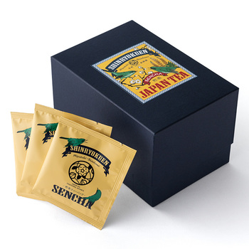 匠が目利きした渋みが少ない優しい味わいの宮崎茶。摘む直前まで茶葉に黒い布を被せるのが宮崎茶の大きな特徴です。洗練されたパッケージに個包装。まるでカフェのようなおしゃれな気分で日本茶が楽しめます。