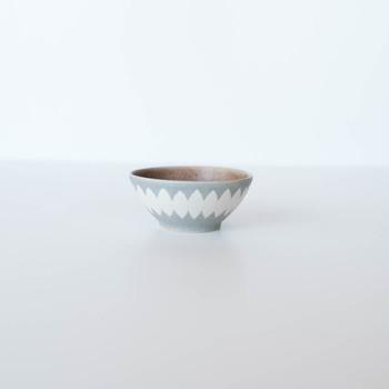 岡山で子育てをしながら作陶をする「古川まみ」さんが作るお茶碗は、さらりとした質感がぬくもりを感じさせます。お客様がきたときにもさっとサーブできるおしゃれさも兼ね備えています。