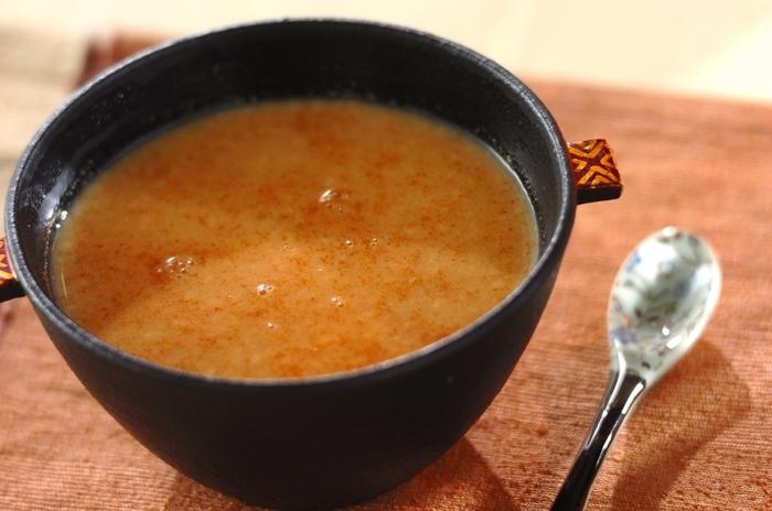 風邪などの時にも良いとされる甘酒をチャイ風で!栄養満点で体もポカポカ。体の芯から冷える寒い日の夜におすすめのホットドリンクです。