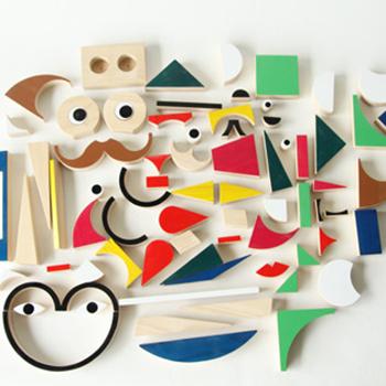 「PlayShapes(プレイシェイプス)」は74の個性豊かな形状のピースを組み合わせ、自由に形を作ることが出来るパズル。