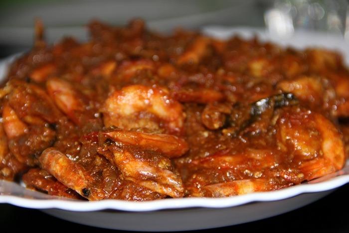 ギーを入れると、インド料理が本格的に。本場では、カレーや野菜料理、お菓子などによく使われるとか。豆や野菜のカレーも、ギーのコクでうまみたっぷりに仕上がるそうです。