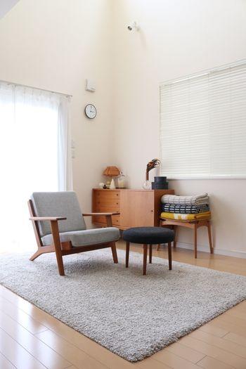 一方、欲しいものだけに囲まれた暮らしは、シンプルながら生活するのに何の不便もありません。そして部屋がスッキリすると同時に、居心地の良さも格段にアップ。