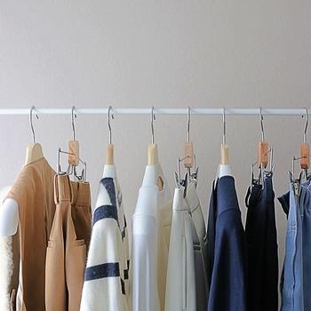 「なんとなく」で買うと、すぐにタンスの肥やしになってしまう洋服。買う前に「これを着古した時にもう一度欲しくなるか?」にこだわると、本当に必要かどうか判別しやすくなりますよ。