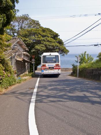 能古島内ではバスやレンタサイクルを利用することができます。旅のプランに合わせて、上手に利用してみてくださいね。
