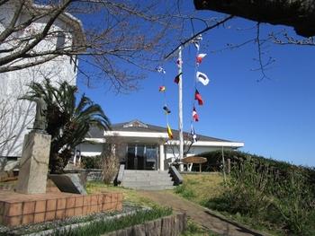 能古島では海の見える博物館として知られる「能古島博物館」。天気が良いと博多湾を見渡せ、春には桜の名所にもなりますのでぜひ訪れたい場所です。