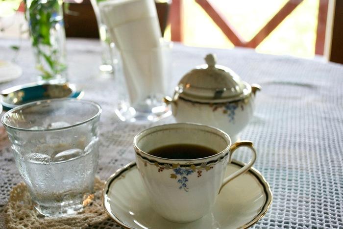 カフェとして利用することもできますが、ハヤシライスや能古島産あさりを使ったボンゴレなどのメニューも人気。風庵を目当てに能古島に訪れるお客さまもいらっしゃるとか。わざわざ訪れる価値のあるお店です。