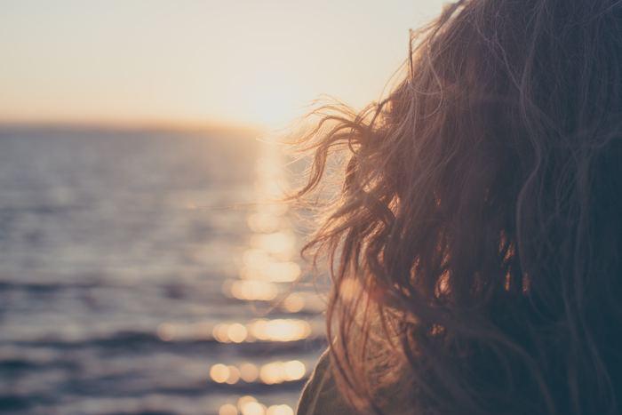 ちょっとした失敗やつまずきは、誰しも経験するものです。特に新生活をスタートさせたばかりの頃は、不慣れな環境でうまくいかないこともありますよね。人と比べて自己嫌悪に陥ったり、ネガティブ思考が止まらなくなってしまったり。いつも穏やかにすごすためには、心のざわつきを早めにリセットする方法を心得ておきたいものです。