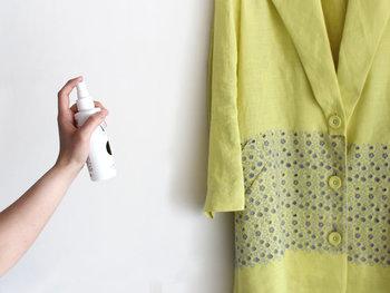 ここでは、お部屋全体に使える「ルームミスト」、衣類用の「ファブリックミスト」の2種類に注目してみました。ご紹介するのは、こだわり抜かれた商品ばかりですよ。気になる香りがあったらぜひ試してみてくださいね。