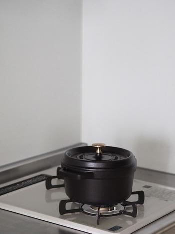キッチンで意外と場所をとる炊飯器。  鍋があるなら、鍋でおこげをつくってみたり…きっと今より美味しく炊けるはず。