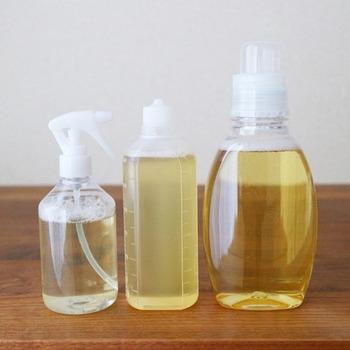 場所や汚れによって使い分ける洗剤類。種類が多ければ多いほど、ストックで収納スペースがいっぱいになってしまいます。 多目的洗剤にすれば、たくさんの種類を持つ必要がなくなります。掃除だけでなく、食器洗いや洗濯にも使える洗剤もありますよ。