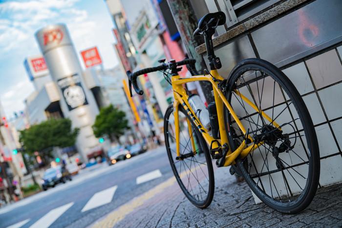 多くの人が集まる渋谷には、ファッションビルや劇場、ライブハウスにクラブなど、朝から夜まで過ごすことのできるカルチャースポットが建ち並びます。そんな街でいただく「パン」モーニングは、素材にこだわったメニューや、渋谷ならではの都会的なお店の雰囲気が魅力です。